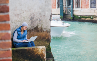 Live a Digital Nomad Lifestyle with These Tools